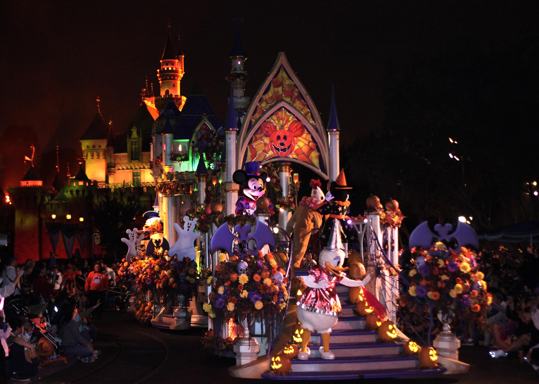 Hollywood Christmas Parade Tickets